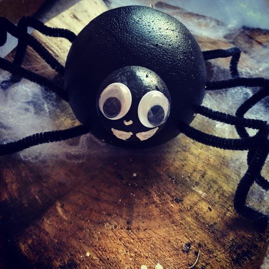 DIY Halloween Spider Decoration