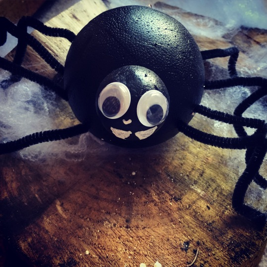 DIY Halloween Spider Decoration