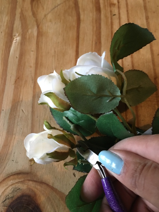 Cutt the heads off the flowers with cutters or scissors