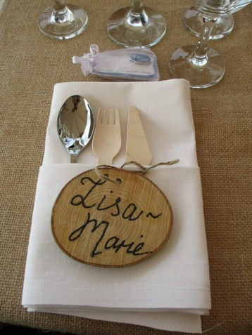 Log slice wedding favour