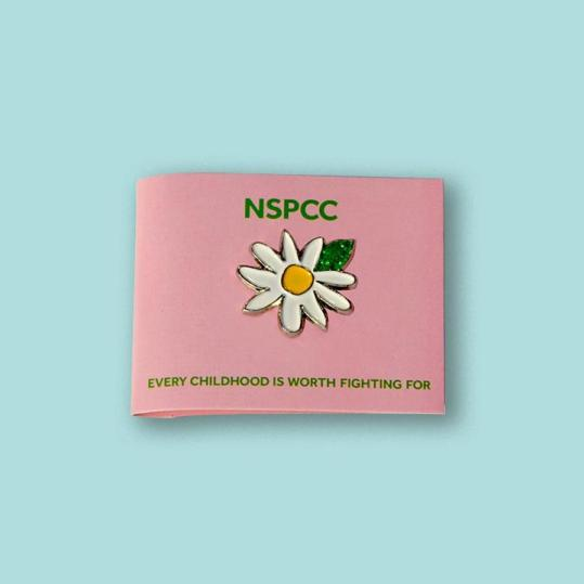 Daisy Wedding Favour badge for NSPCC